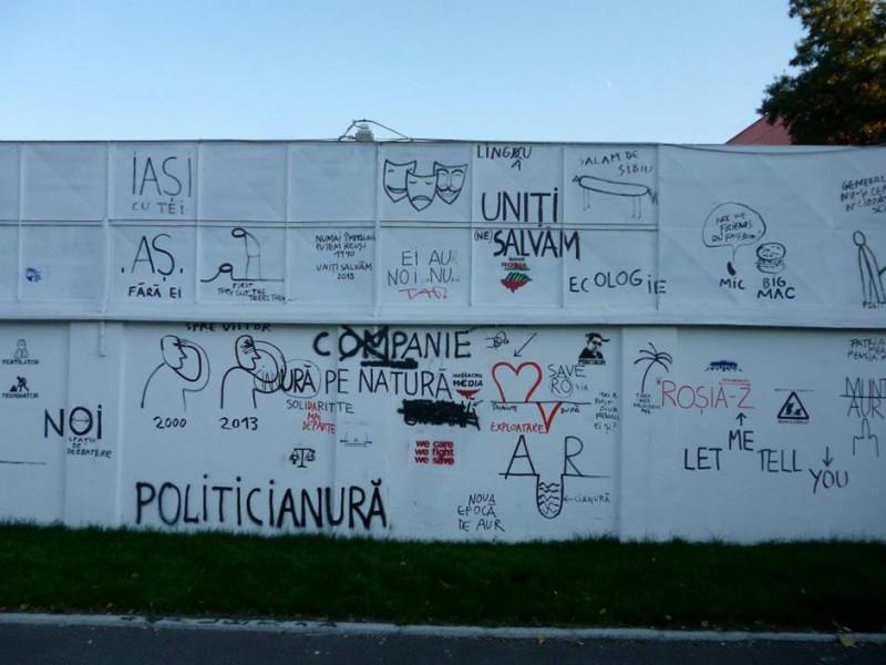 zidul lui Dan Perjovschi