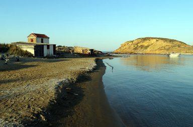Insula Lemnos - capela Sfintei Barbara de pe plaja Gomati