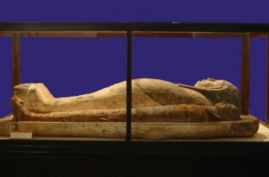 Mumia egipteana de la Franz Binder