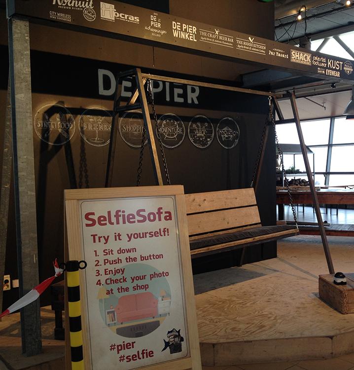 selfie-sofa-Haga