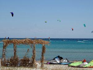 Insula Lemnos - plaja din Keros cu kitesurferi