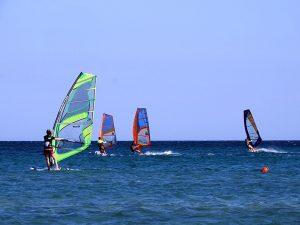 Insula Lemnos - plaja din Keros cu windsurferi